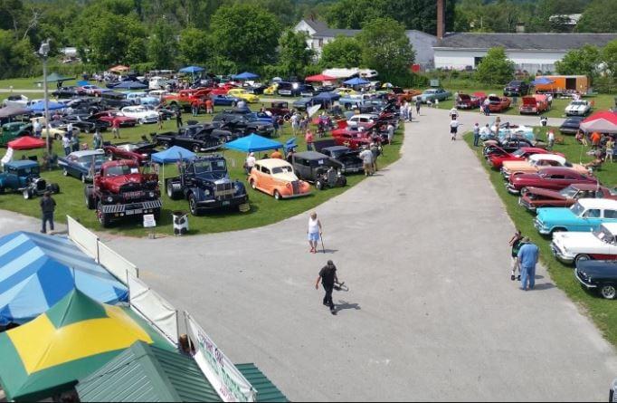 VT - Rutland - RAVE Car Show and Flea Market